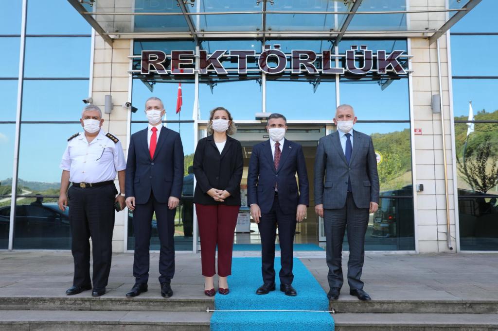Düzce Valisi Cevdet Atay ve Beraberindeki Heyet Rektörümüzü Ziyaret Etti